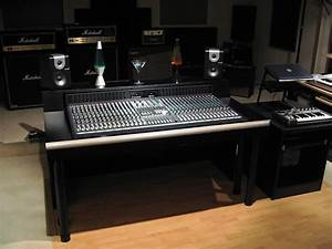 Soundcraft Ghost  Not The Le Model  32 Ch Console W   Meter