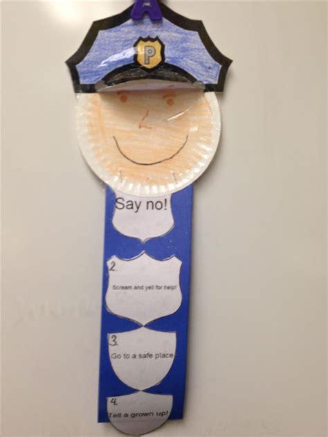 best 25 officer crafts ideas on 229   49b6f8ed309acbd24986d0b992702de4 safety crafts police crafts