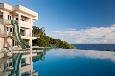 justin biebers vacation mansion  hawaii teen vogue