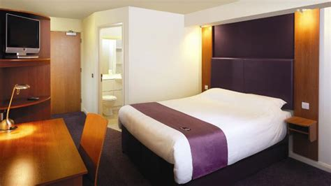 premier inn london city tower hill hotel visitlondoncom
