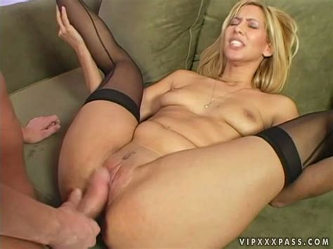 Beautiful Milf Isis Love Gets Her Privates Licked And