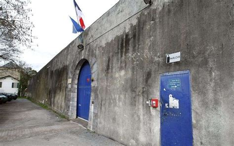 224 la prison de pau la m 232 re cherche toujours 224 conna 238 tre la v 233 rit 233 la r 233 publique des