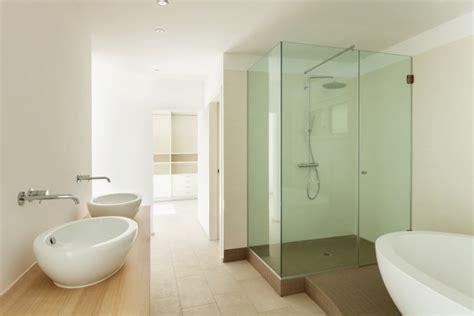 come pulire box doccia come pulire i vetri trasparenti box doccia donnad