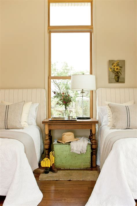 Guest Bedroom Design Ideas by Gracious Guest Bedroom Decorating Ideas Southern Living