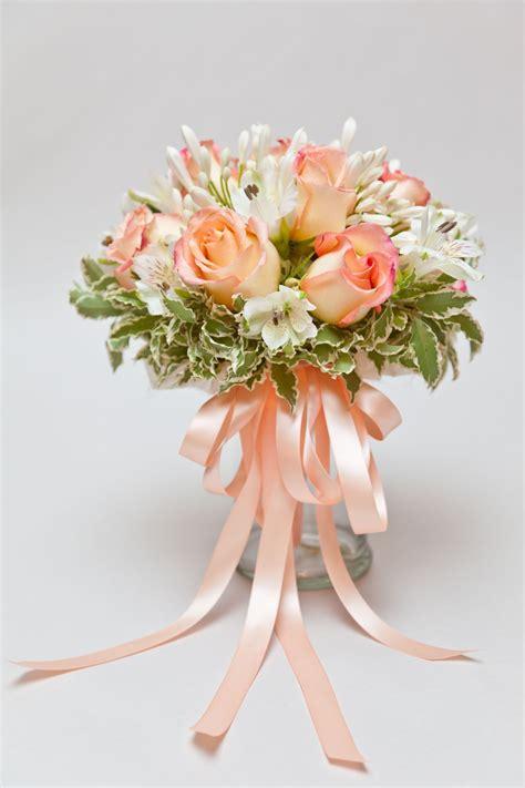 find beautiful  fresh wedding flowers