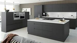Cuisine gris anthracite 56 idees pour une cuisine chic for Plan de travail cuisine gris anthracite