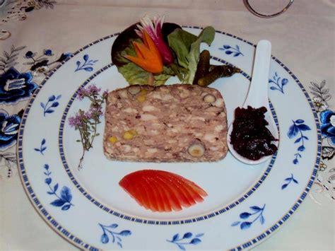 cuisine de restaurant aux normes cuisine chambon affordable la mandarine le chambon sur