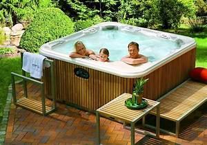 whirlpool im garten meine besten ideen With französischer balkon mit yakuzi pool garten
