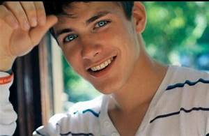 Guys with brown hair & blue eyes>> | chicos guapos ...