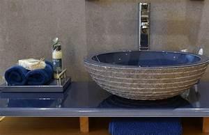 Salle de bain en pierre bleue ciabizcom for Salle de bain design avec evier en pierre bleue