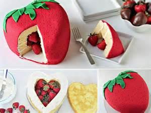 pinata mariage piñata cake aux fraises pinata cake 12 gâteaux bluffants repérés sur à table