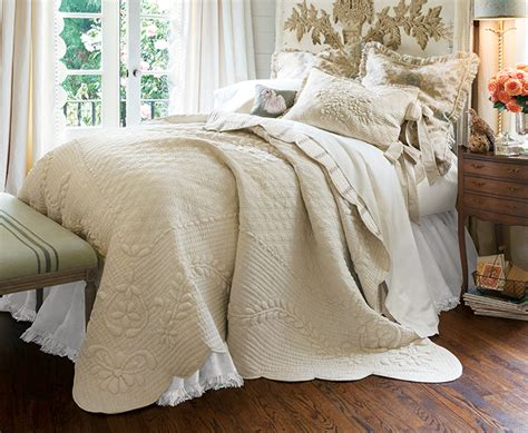 Bedding Sets & Collections