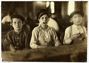 File:Lewis Hine, Cigarmakers, Tampa, Florida, 1909.jpg ...