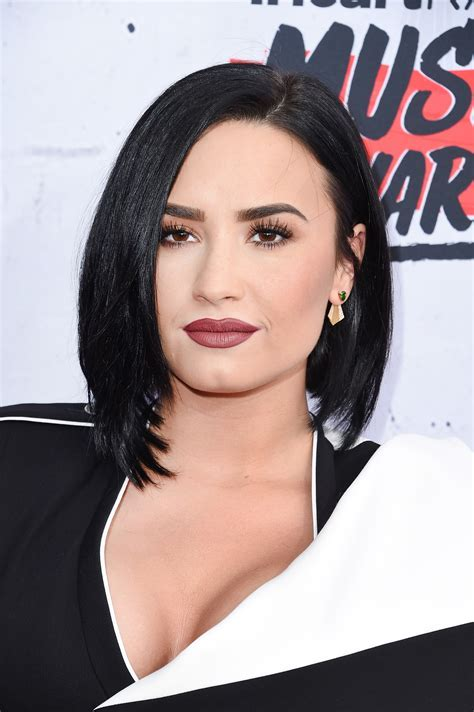 Demi Lovato, Zendaya Join Taylor Swift, Rihanna In Bob
