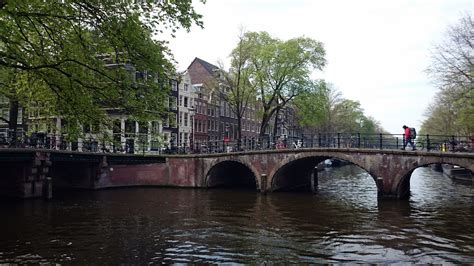 Airbnb For Boats Amsterdam by Airbnb Amsterdam Canal Boat