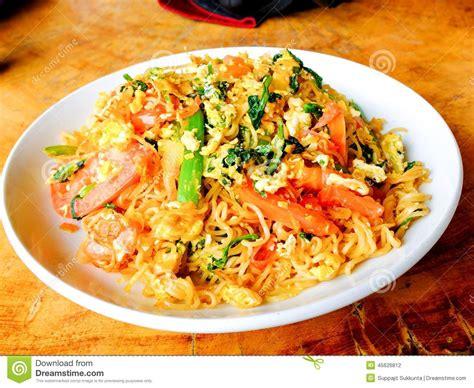 instant cuisine instant noodle style cuisine royalty
