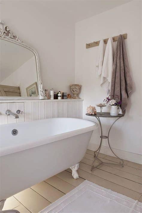 shabby chic bathroom ideas 28 lovely and inspiring shabby chic bathroom décor ideas