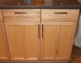 shaker cabinet knob placement 1000 images about kitchen cabinet handle placement on