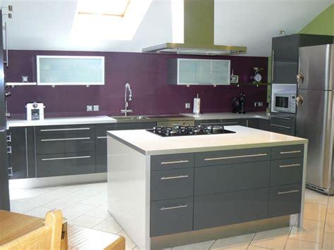 cuisine grise quelle couleur au mur quel couleur de plan de travail avec cuisine grise 27