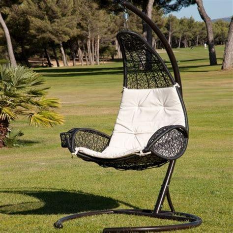 chaise longue suspendue chaise suspendue de jardiland