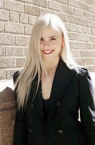 Best Platinum Blonde Hair Color