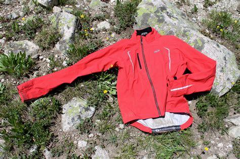 best mtb rain jacket a 100 waterproof and fully breathable rain jacket fact