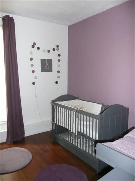 chambre bébé violet style déco chambre bébé gris et violet