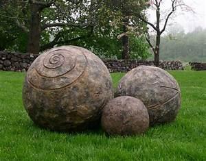 Dekokugeln Für Den Garten : skulpturen im garten 38 ideen f r die kugel als akzent ~ Orissabook.com Haus und Dekorationen
