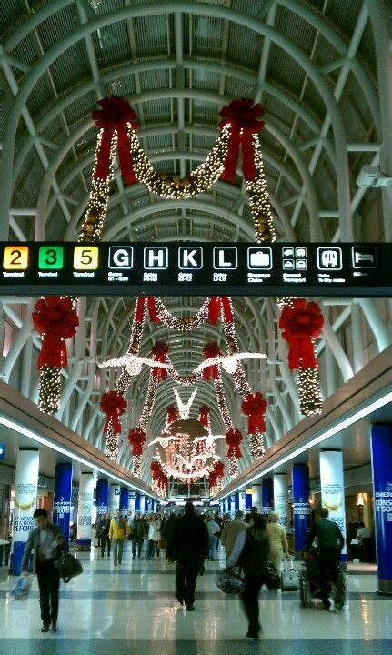 christmas in chicago airport christmas pinterest