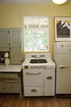 small cabinets for kitchen 1000 images about vintage kitchen on stove 5358