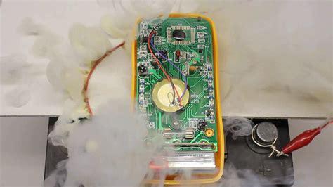 kühltasche mit strom messen strom spannung und widerstand mit hilfe digitaler multimeter