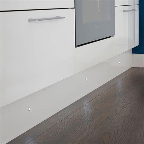It Kitchens White Glass & Metal Led Plinth Light, Pack Of