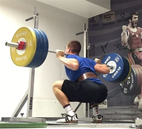 squat mass leg deadlift vs exercises squats muscles worked barbend lower body strength