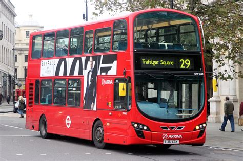 london bus routes route  trafalgar square wood green