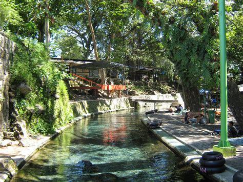 catatan perjalanan outdoor travelling segarnya berenang