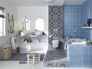 comment choisir sa peinture de salle de bains travauxcom With comment recouvrir un carrelage de salle de bain