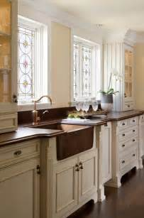 kitchen and bath showroom island where can i get the copper farmhouse sink from as i am