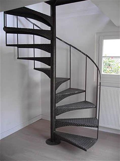 re escalier fer forge occasion re d escalier en fer forg 233 ou l acheter b 226 tir ou retaper sa maison forum vie pratique