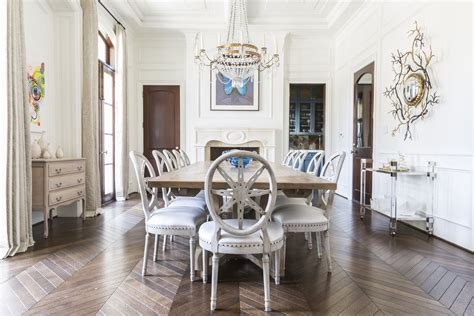 Inside This Issue Elegant Homes  Traditional Home