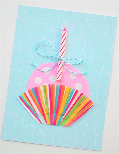 Related ➜ 15 of the best handmade and printable birthday cards. Cute Handmade Cupcake Birthday Card   Pink Stripey Socks