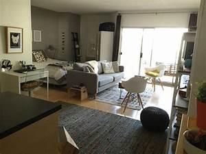 Small apartment furniture furniture walpaper for Small studio apartment furniture ideas