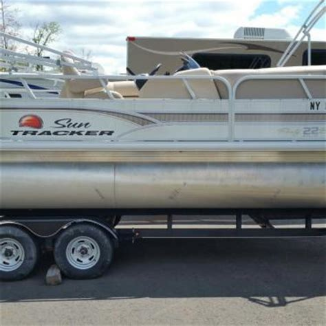 Zapp Boat Hull Cleaner by Sun Tracker Used Sun Tracker Pontoon Condition