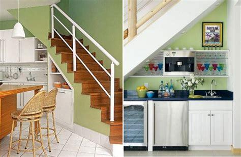 cuisine sous escalier comment aménager l 39 espace de stockage sous l 39 escalier