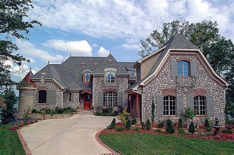fit  royalty lv architectural designs house plans