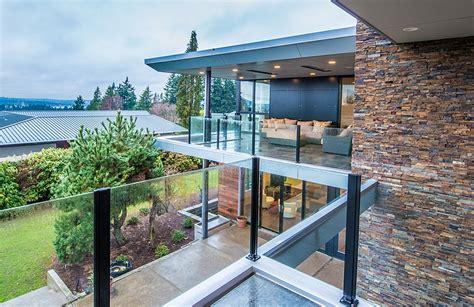 hemocoel residence charms   exclusive facade  inviting warmth