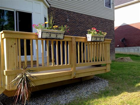 Deck Lowes Deck For Looks Nice And Professional