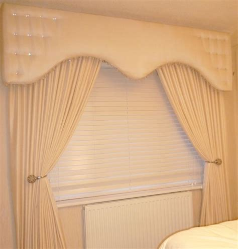 pelmet  curtains cream shaped style www