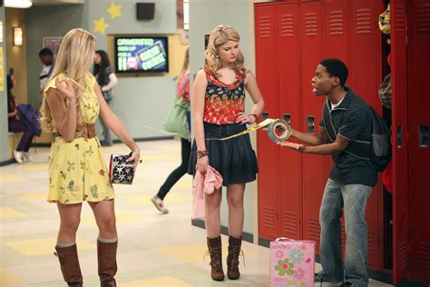 The Gallery For --> Paisley From Ant Farm Outfits