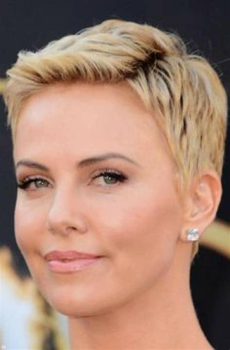 Consigli per capelli e pettinatureCapelli cortissimi: a