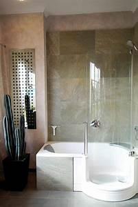Waschbecken Aufsatz Für Badewanne : badewanne mit dusche die l sung f r kleine b der ~ Markanthonyermac.com Haus und Dekorationen